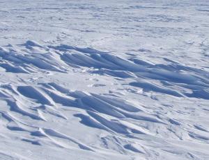 Das Foto zeigt den kältesten Ort der Welt, im Osten der Antarktis. Foto: Atsuhiro Muto/NSIDC