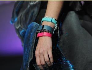 Fitbit musste über eine Million seiner Armbänder Fitbit Force zurückrufen. Foto: Britta Pederson