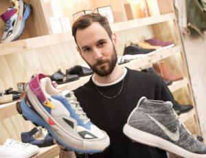 Herbert Hofmann mit coolen Sneakers.  Foto: Jörg Carstensen